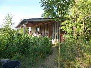 Sommerküche auf dem Permakuturhof Stein-Häger